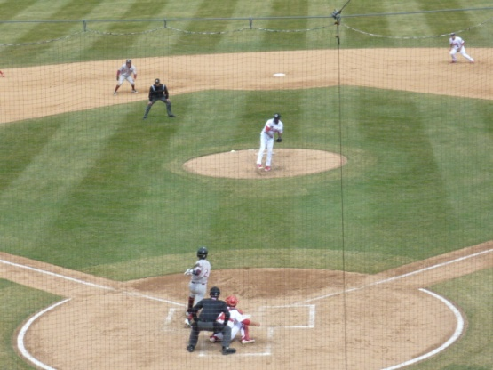 Of course, I zoomed in on the hitter in this photo. Had I kept it out at the usual distance, you would have seen Arcia's liner heading right into Wisdom's glove.