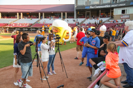 I wonder how many mascot kickball games they have in Taiwan.