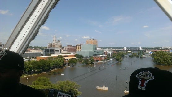 QC Ferris Wheel View6