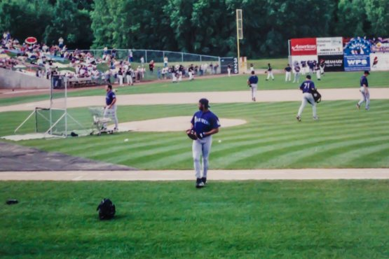 Ken Griffey, Jr. walks off the field during batting practice at Fox Cities Stadium in 1996 (Photo Credit: Brad Krause)